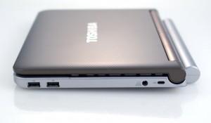 Toshiba mini NB205 изглед отдясно